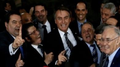 Photo of Para se manter no cargo, Bolsonaro abre portas da saúde e educação para o Centrão