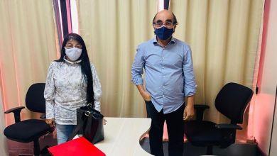 Foto de Fátima Araújo reúne com secretário de Educação Moacir Feitosa