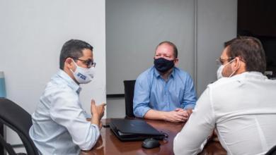 Foto de Othelino Neto solicita que hospital de Campanha em Santa Inês seja transformado em Policlínica