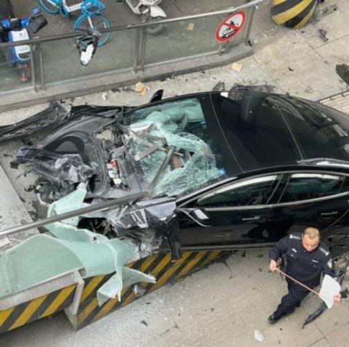 Tesla Model 3 accident Chengdu image 1