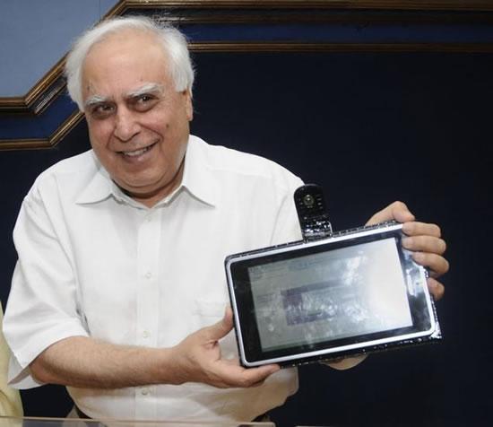 Computador mas economico del mundo India