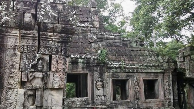 Angkor wat temple travel