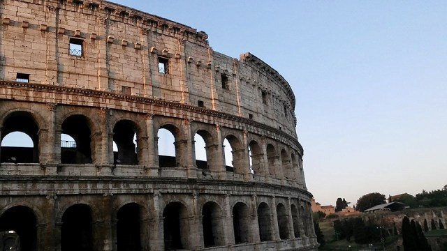 rome Italy travel photo budget travel colosseum