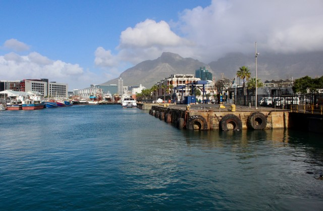 Cape Town budget travel guide scenery travel harbor