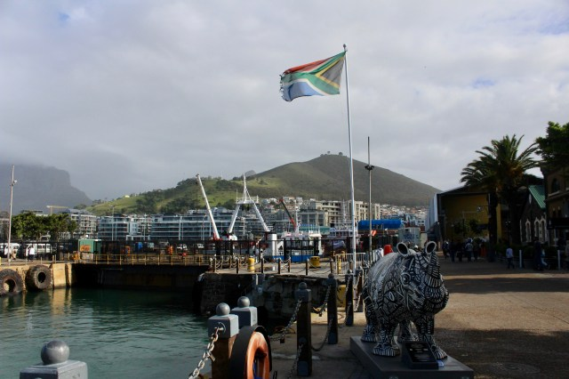 budget travel guide to cape town travel flag