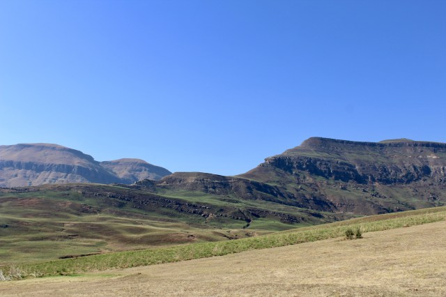 how to visit the drakensberg mountains budget travel