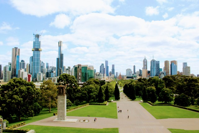 things to do in Melbourne shrine of remembrance viewpoint