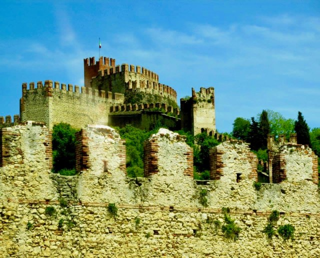 soave non touristy places in europe