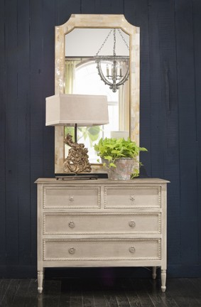 Antique Bedroom Furniture Styles Caroline Chest