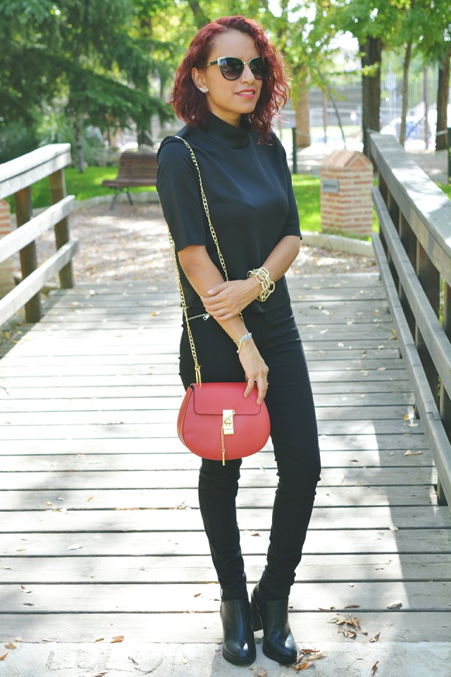 look-total-black-1