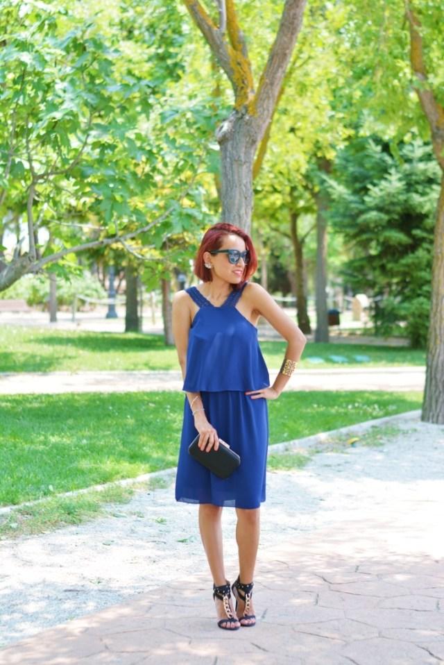 Outfit con vestido azul