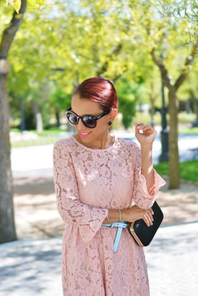 Vestido de guipur rosa
