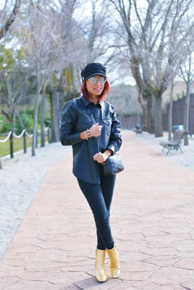 Look de invierno con gorra marinera