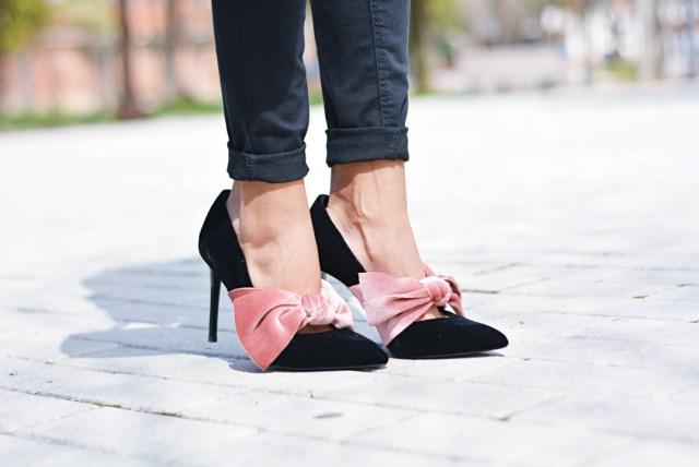 Zapatos stiletto con lazo