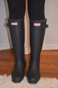 leggings: victoria's secret boots: hunter matte classic tall rain boots