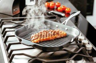Преимущества сковороды гриль с крышкой для приготовления стейков