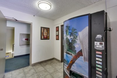 El Dorado Manor - Prime Location San Diego Apartments for Sale - 2404 C Street - Soda Machine -074_web