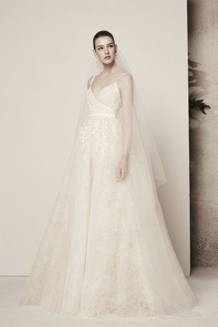 elie-saab-wedding-dresses-spring-2018-016