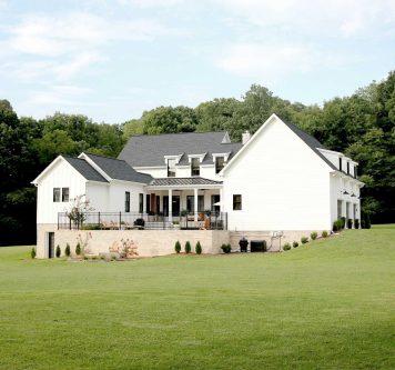modern-farmhouse-back-1