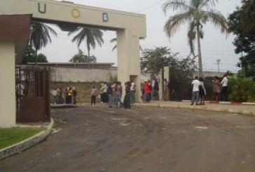 Les enseignants de l'UOB en grève en faveur des «ministres» d'AMO