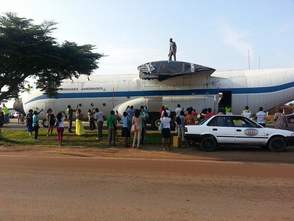 Un avion sème le trouble à Libreville