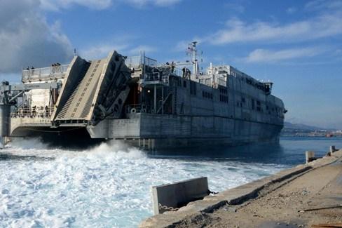 Des marins américains mouillent au large du Gabon