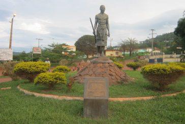 Présidentielle 2016 : des paysannes en colère auraient perturbé le meeting d'Ali Bongo à Lastourville