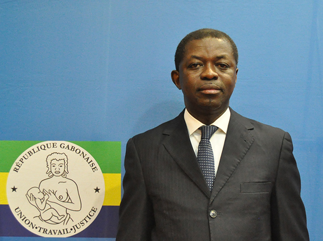 Urgent : Séraphin Moundounga annonce sa démission