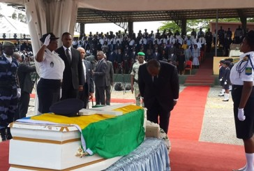 Emeutes post-électorales : Ali Bongo rend hommage à un  policier