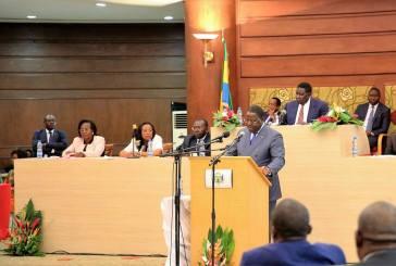 Emmanuel Issozé Ngondet passe haut les mains à l'Assemblée nationale