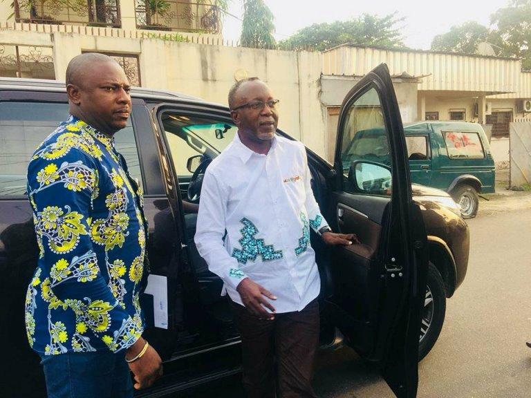 Législatives 2018 :  Ndong Meyo veut chasser la famille Ntoutoume Emane dans le 5ème arrondissement de Libreville