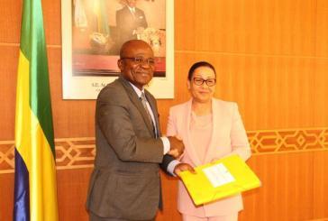 Assemblée Nationale: passation de charges  entre Lucie Milebou  et Faustin Boukoubi