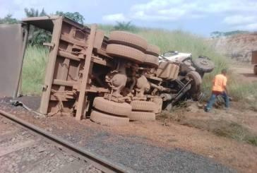 Un train percute un camion et tue le chauffeur vers Franceville
