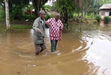 Moukagni Iwangou et Biendi Maganga-Moussavou au chevet des  populations de Mouila touchées par des inondations