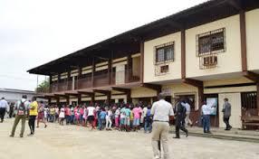 Le ministère de l'Education nationale menace de fermer les établissements solaires qui ne procéderont pas à la fouille des élèves