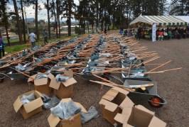 La COMILOG offre au conseil départemental de Moanda une centaine des kits agricoles