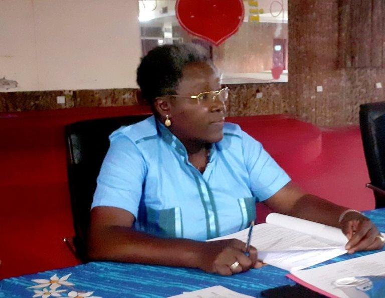 Nicole Assélé préside une réunion extraordinaire du CLR malgré sa supposée suspension