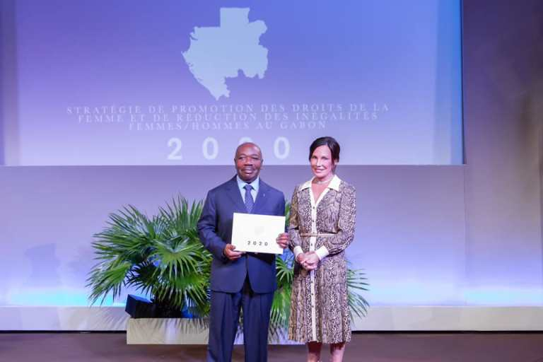 La FSBO remet au Président Ali Bongo un rapport sur l'Egalité femme-homme