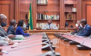 Ali Bongo et les membres de son gouvernement