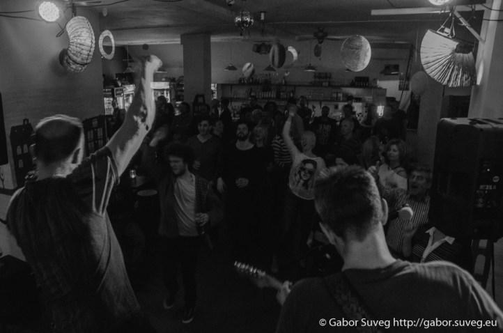 B the First koncert (vendég: River of Lust és Bonus Track) @ Búgócsiga Akusztik Garden / 12 © Gabor Suveg