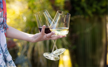 Blog Cover Gabriel-Glas -universal wine glasses recommended by SAVEUR