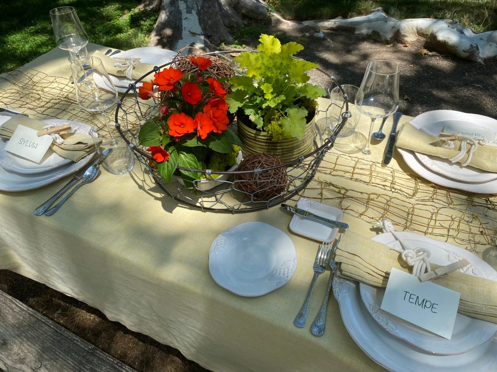 Tablescape How To: A Farmhouse Chic Lunch
