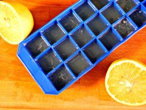 Lemon water made easy - lemon ice cubes | Gabriela Green