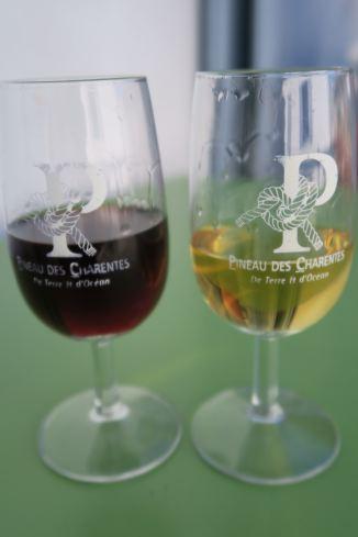 Pineau des Charentes – rot oder weiß?