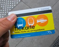 Das Ticket gilt in Bordeaux für Bus, Tram und Boot