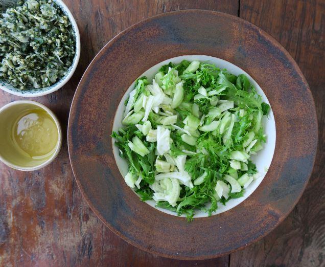 Salat mit Pesto