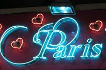 Paris Leuchtschrift