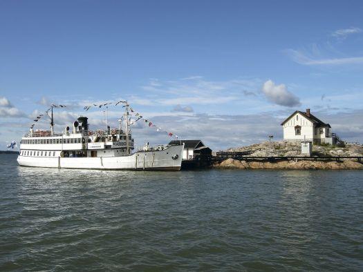 Schiff und Insel
