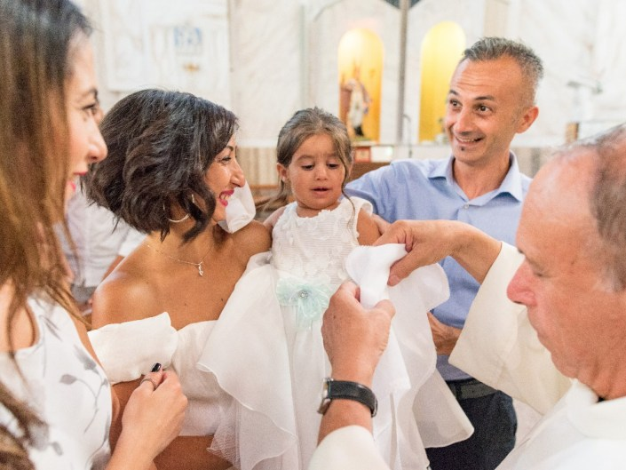 Bambina-Battesimo-Famiglia-31 Fotografo di Battesimo Cosenza Corigliano Rossano
