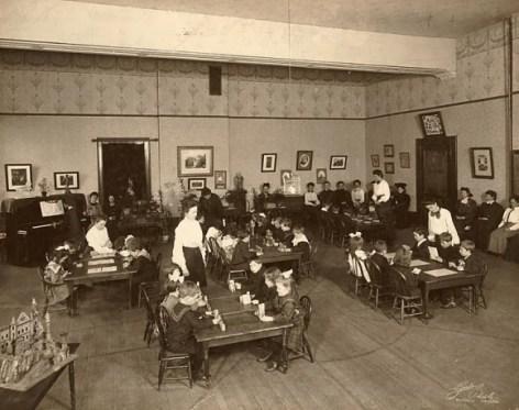 Kindergarten, 1898 ca